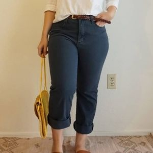 Lee Classic Fit (High-Waisted) Jeans